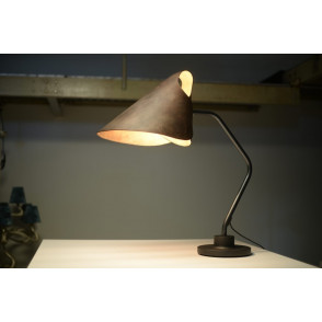 Mrs. Q Table lamp