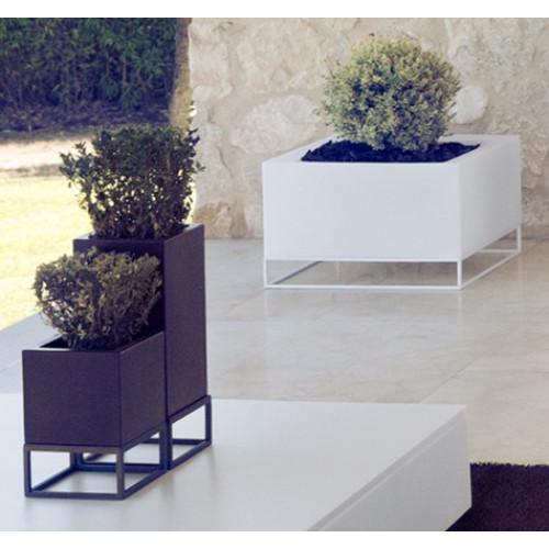 Vondom_Vela_High_Land_Planter_Puur_Design