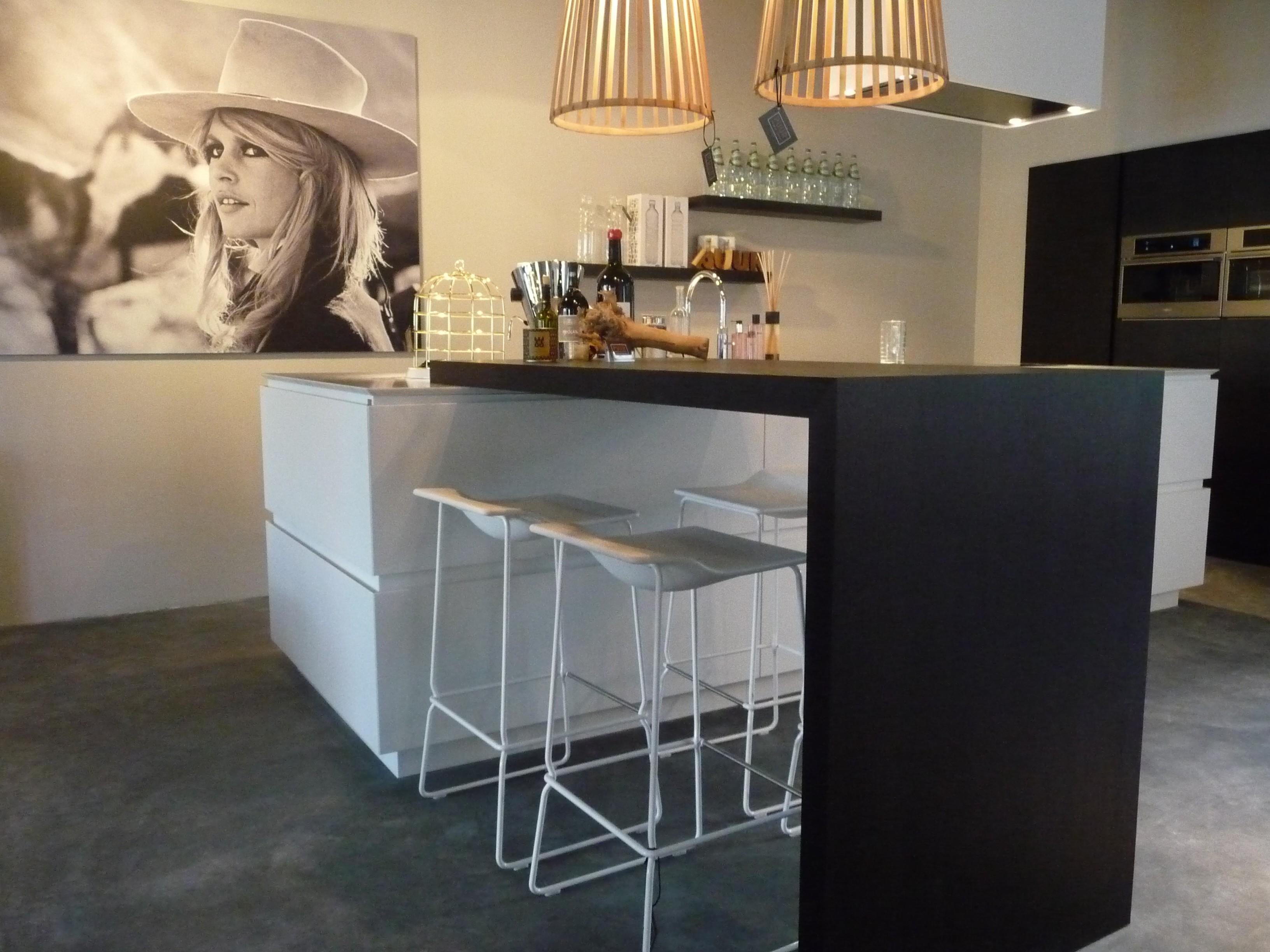 Design Keukens Showroommodellen : Gatronome maatwerk keuken van puur design interieur naar