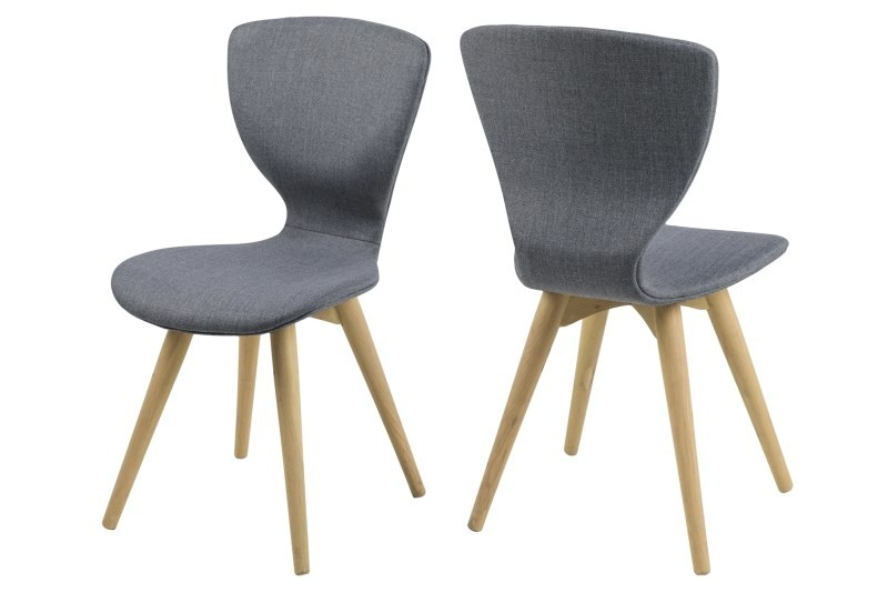 De gongli eetkamerstoel van het merk scandilab is een zeer comfortabele en stijlvolle stoel. de rugleuning ...