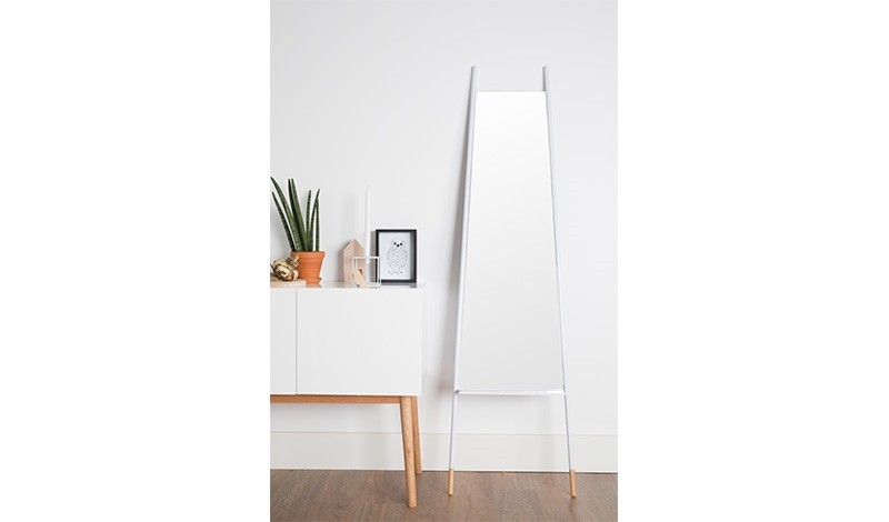 Zuiver Leaning Spiegel : Mirror leaning zuiver puur is officieel dealer