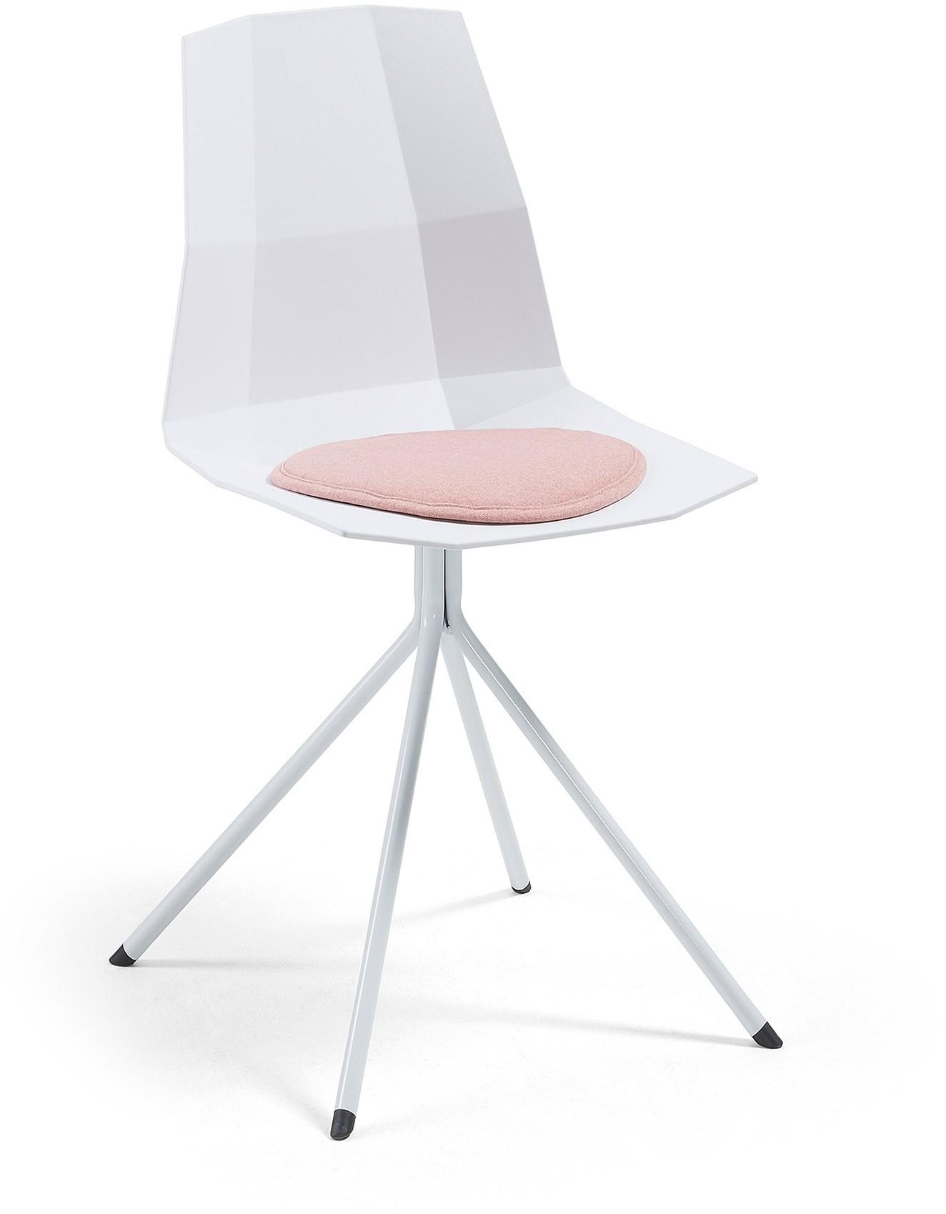 De pixel eetkamerstoel van laforma is een strakke stoel met geometrische vormgeving. de zitting is ...