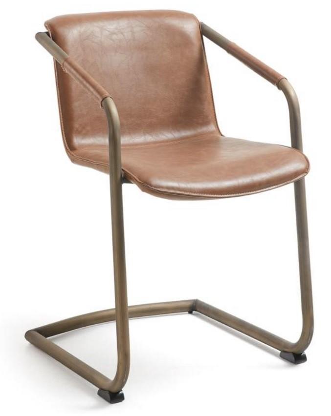 De trion eetkamerstoel is een heerlijk comfortabele stoel uit de collectie van het spaanse designmerk laforma....